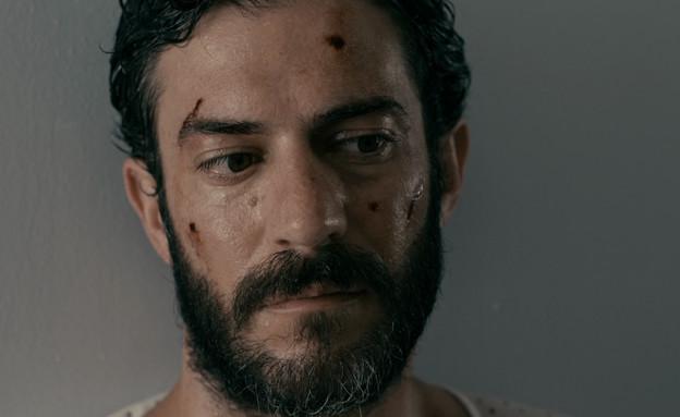 """יואל רוסו (צילום: מתוך """"ביום שהאדמה רעדה"""", קשת 12)"""