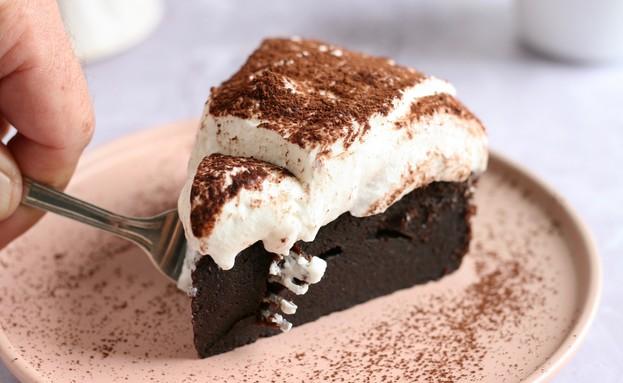 עוגת שוקולד פאדג' עם קרם ריקוטה (צילום: קרן אגם, אוכל טוב)