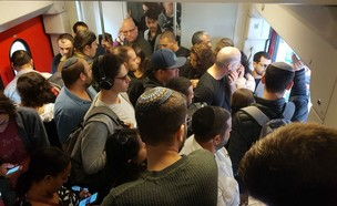 עומסים כבדים ברכבת בעקבות חישמול המסילות (צילום: תום אלון)