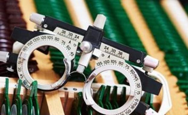 מספר נמוך במשקפיים משפר את הראייה (צילום: 123rf, מאקו)