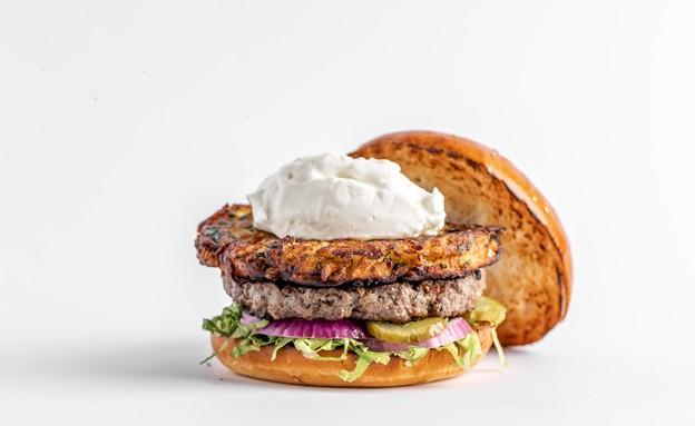 המבורגר לכבוד חנוכה במוזס (צילום: גיל אבירם, אוכל טוב)