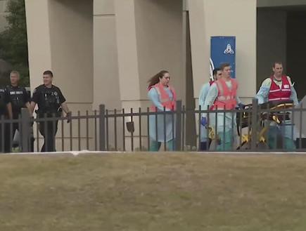 חילוץ נפגעים באירוע ירי בפלורידה