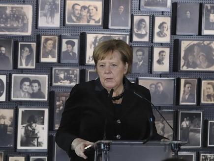 אנגלה מרקל בביקורה באושוויץ