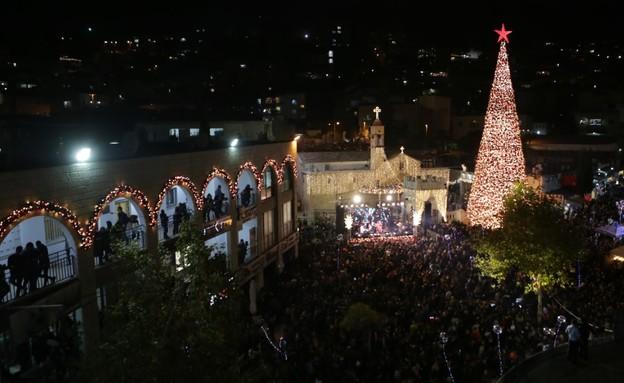 עץ הכריסמס הגדול בנצרת (צילום: איהאב חוסרי)