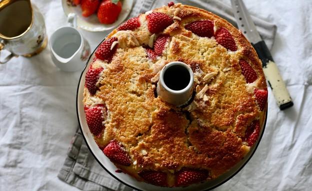 עוגת ריקוטה ותותים (צילום: קרן אגם, אוכל טוב)