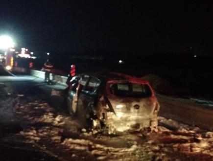 תאונה כביש 4 צומת הדרים רכב נשרף