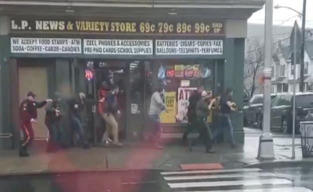 ירי בניו ג'רזי סמוך לסופרמרקט כשר