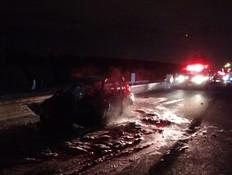 התנגש במשאית ורכבו עלה באש - כשחולץ נמצא דקור