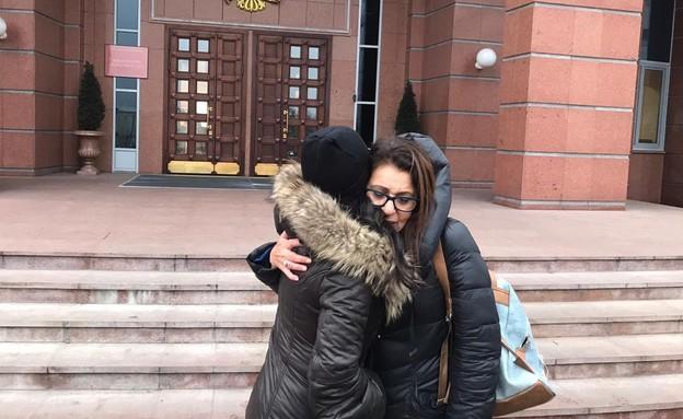 יפה יששכר והאחות ליעד מגיעות לבית המשפט