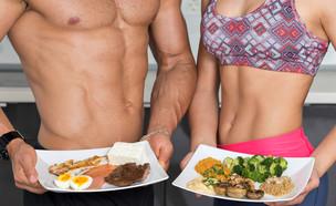 ספורטאים אוכלים (צילום:  Skydive Erick, shutterstock)