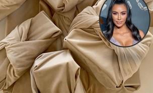 קים קרדשיאן מבלבלת (צילום: קים: Roy Rochlin / Stringer /Getty Images, רקע: אינסטגרם kimkardashian)