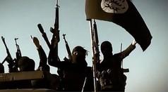 """לוחמי דאע""""ש בעירק, לפני התבוסה (צילום: BBC)"""
