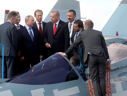 פוטין לצד ארדואן עם החמקן הרוסי su-57