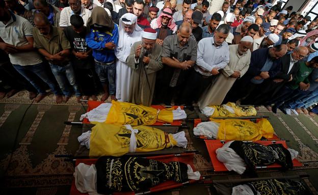 מות שמונה בני משפחה במבצע