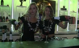 """השקת היין המבעבע של יקבי כרמל  (צילום: מתוך """"ערב טוב עם גיא פינס"""", קשת 12)"""