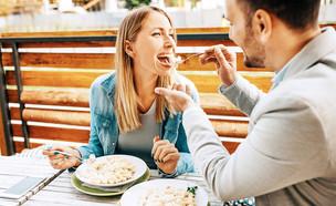 ארוחה במסעדה איטלקית (צילום: shutterstock | Everett Historical)