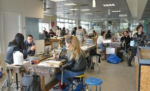 סטודנטים לעיצוב (צילום: עידן גרוס)