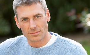 גבר נאה  (צילום: oliveromg, shutterstock)