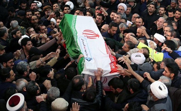 הלווייתו של קאסם סולימאני (צילום: סקיי ניוז)