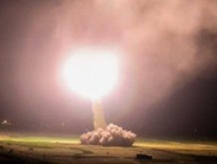 שיגור טילים אירניים לעבר בסיסים אמריקניים בעירק