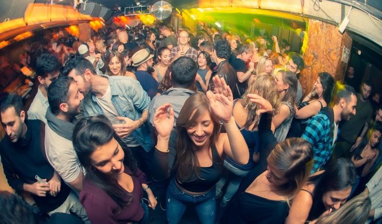 המועדון האהוב בתל אביב (צילום: יבגני מקרובסקי)