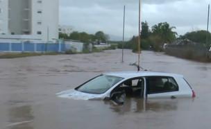 """שטפונות בנהריה (צילום: מתוך """"חדשות הבוקר"""" , קשת 12)"""