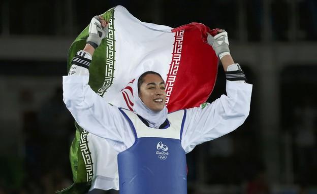 קימיה אליזדה - המדליסטית האולימפית האירנית עוזבת א (צילום: רויטרס)