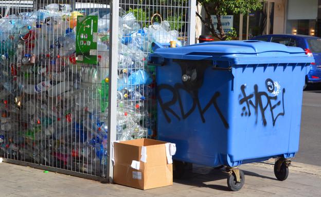פחי מיחזור בתל אביב (צילום: meunierd, shutterstock)
