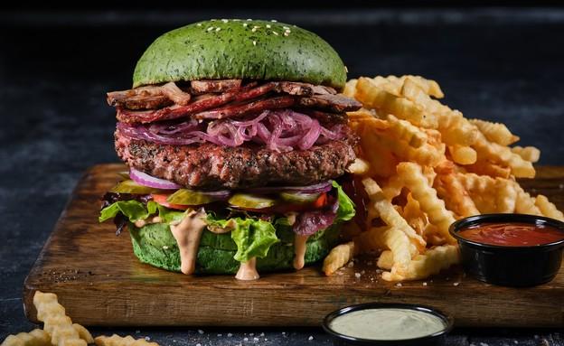 בורגרסטיישן 23 המבורגר לחמנייה ירוקה  (צילום: אנטולי מיכאלו, יחסי ציבור)