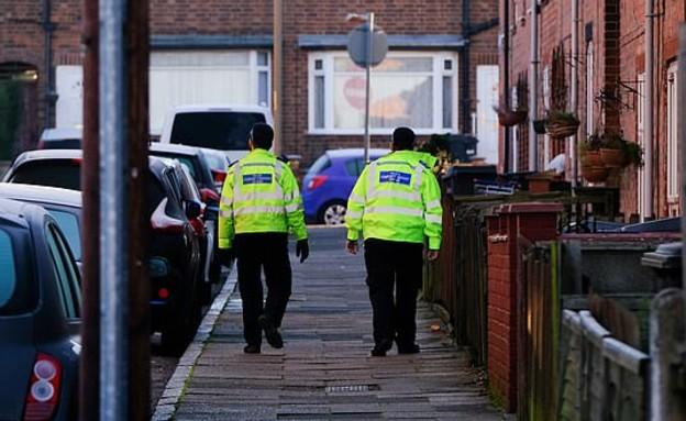 משטרה בלסטר, בריטניה (צילום: SWNS)