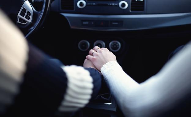 זוג ברכב (צילום: shutterstock | PRO Stock Professional)