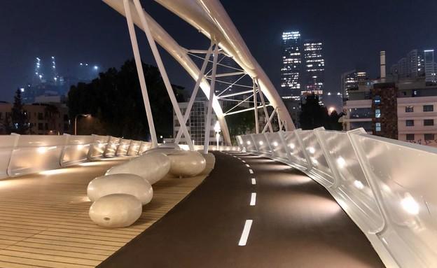 גשר שדרות יהודית (צילום: עיריית תל אביב יפו)