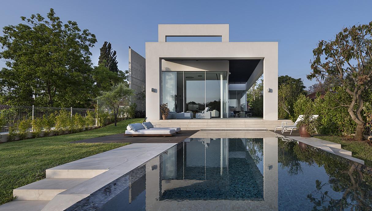 בית במושב בשרון, נוימן חיינר אדריכלים