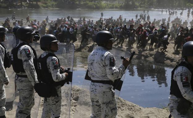 כוחות משמר הגבול המקסיקניים  (צילום: AP)