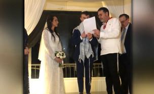 """זוג החיילים הבודדים התחתנו בעזרת תרומות (צילום: מתוך """"חדשות הבוקר"""" , קשת 12)"""