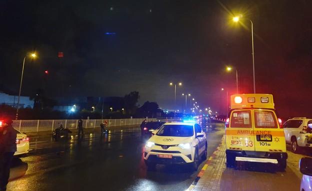 תאונת אופנוע בכביש 4 (צילום: תיעוד מבצעי מד