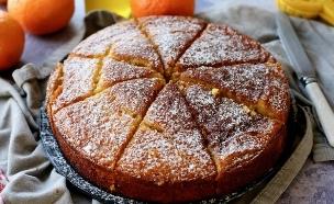עוגת קלמנטינות עם שקדים ושמן זית  (צילום: קרן אגם, אוכל טוב)