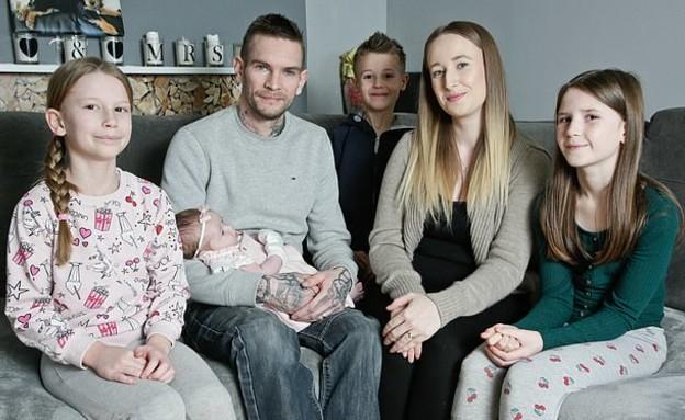וינסנט ואיימי ווטלי עם ארבעת ילדיהם
