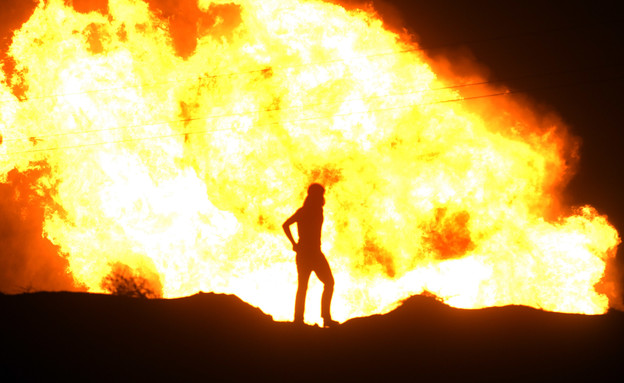 פיצוץ צינור', גז, מצרים, סיני (צילום: שי פרנקו, רויטרס)