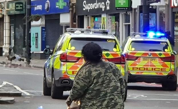 חשד לפיגוע דקירה בלונדון (צילום: SKY NEWS)