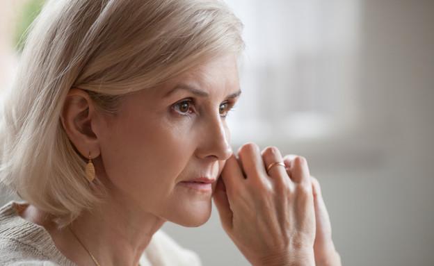 אישה מבוגרת (צילום:  fizkes, shutterstock)