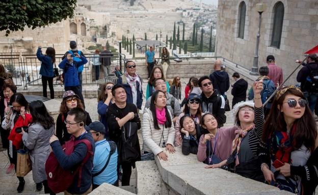 תיירים סינים בירושלים (צילום: אמיל סלמן, TheMarker)