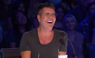"""סיימון קאוול ב""""גוט טאלנט אמריקה"""" (צילום: יוטיוב - America's Got Talent)"""