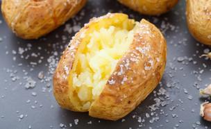 תפוחי אדמה אפויים (צילום:  Vankad, shutterstock)