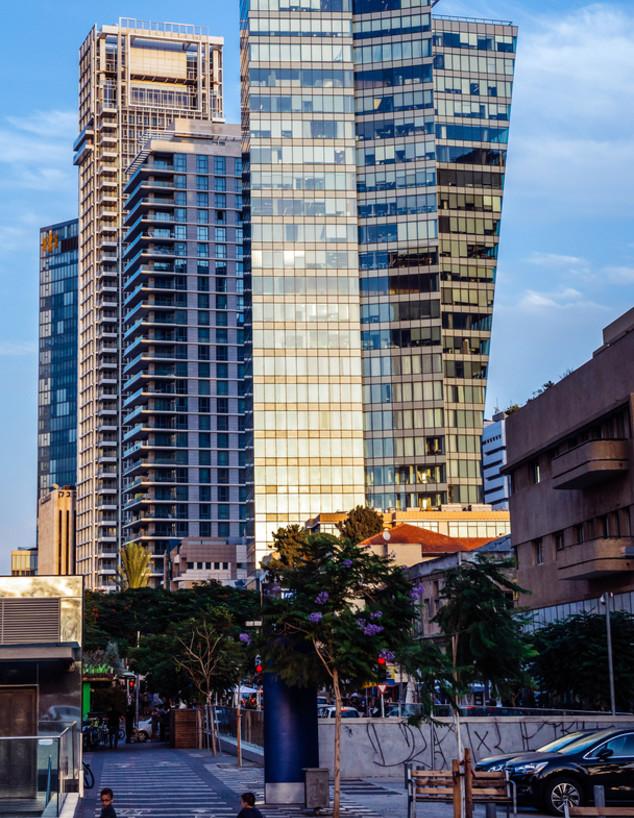 מגדל מאייר בשדרות רוטשילד בתל אביב (צילום: Fotokon, shutterstock)