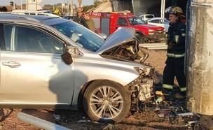 זירת התאונה בכביש 4  (צילום: כבאות והצלה)
