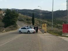 חסימת כבישים סמוך לזירת הפיגוע בבנימין (צילום: TPS)