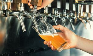בירה זורמת (צילום: shutterstock_By Master1305)