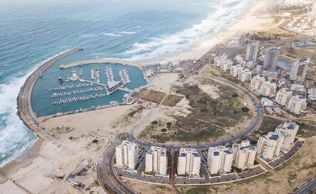צילום אווירי של קו החוף של אשדוד