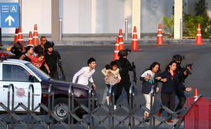 חילוץ בני ערובה מקניון בצפון מזרח תאילנד אחרי מצוד (צילום: רויטרס, שי פרנקו,רויטרס)